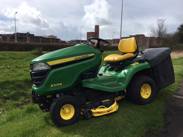 used second hand john deere x305r ride on tractor. Black Bedroom Furniture Sets. Home Design Ideas