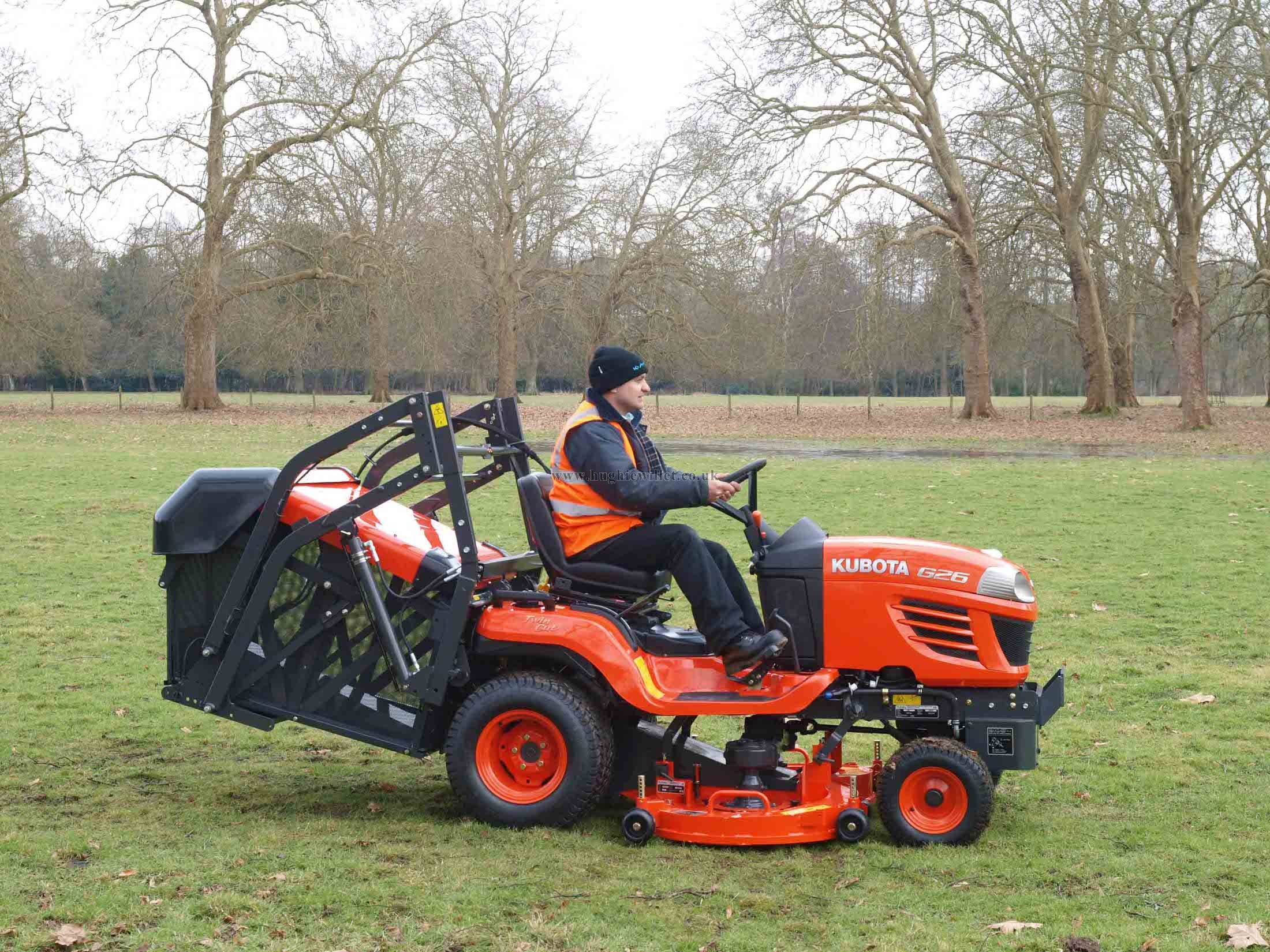 ... the G26 II, with its 25.5HP Kubota 3 cylinder ETVCS water-cooled diesel  engine, offers exceptional power and efficiency for day long mowing  operations.
